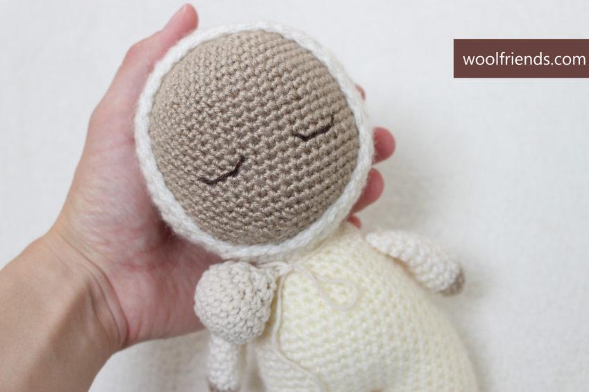 Maja – crochet doll